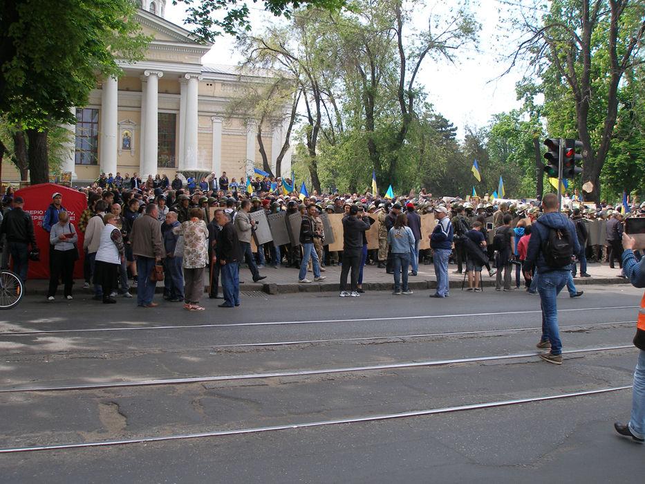 6-я сотня самообороны Майдана направляется к Соборной площади