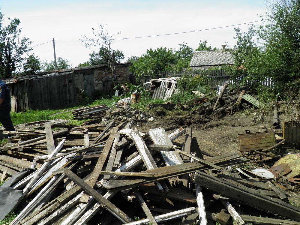 В российском Донецке украинский фугас попал в жилой дом